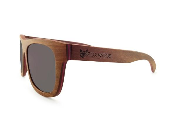 Foto van rechtervoorkant van houten zonnebril Fox van merk foxwood