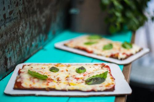 HOW TO MAKE CAULIFLOWER CRUST PIZZA WITH CHESKA'S