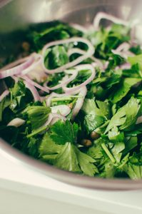 Parsley salad with shallots and capers - The Mummy