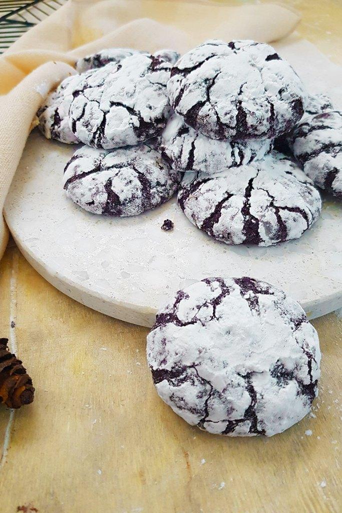 Vegan chocolate crinkle cookie