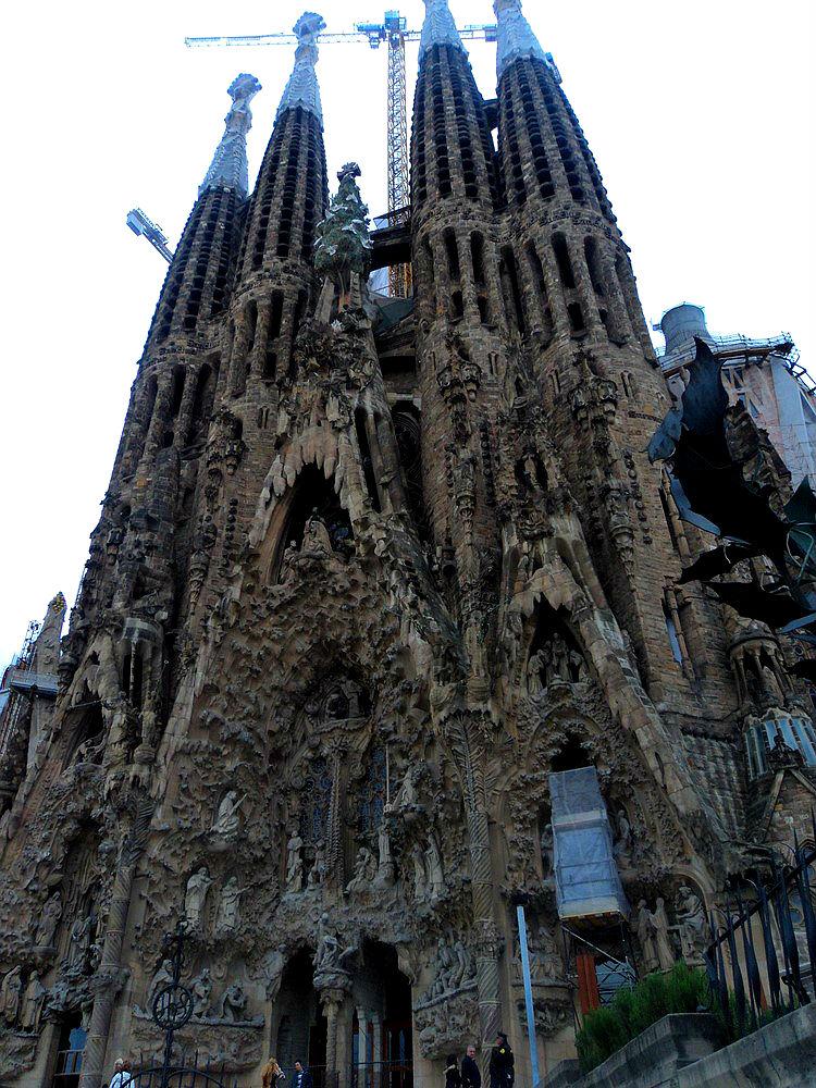 Step inside La Sagrada Família - Getting Close to ...