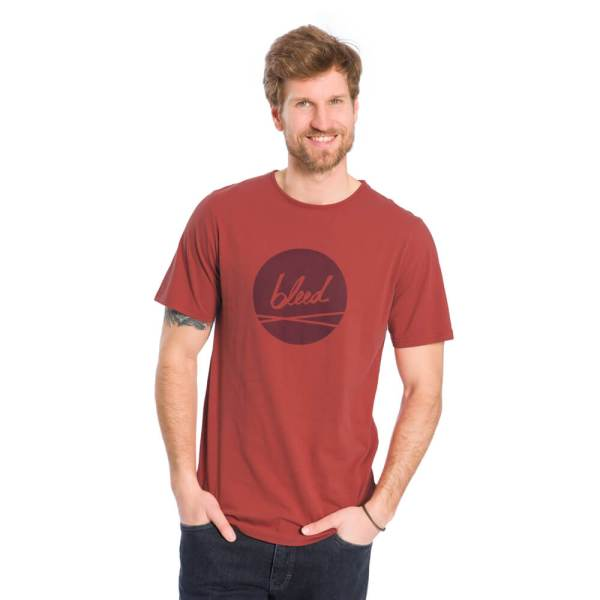 bleed-clothing-1616-dot-logo-t-shirt-rot-studio-01