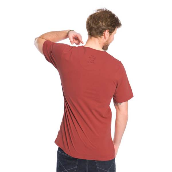 bleed-clothing-1616-dot-logo-t-shirt-rot-studio-02