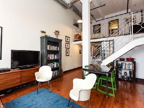 2 bedroom loft in prime residential neighbourhood.