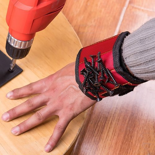 Magnetic Wristband that holds nails and screws perfect for any dad that likes to do construction or repairs. This little gadget would come in handy!