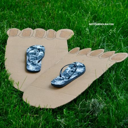 Hilarious & Funny Two Left Feet Game #DIY #mom101 #parenting #youhavetoseethis