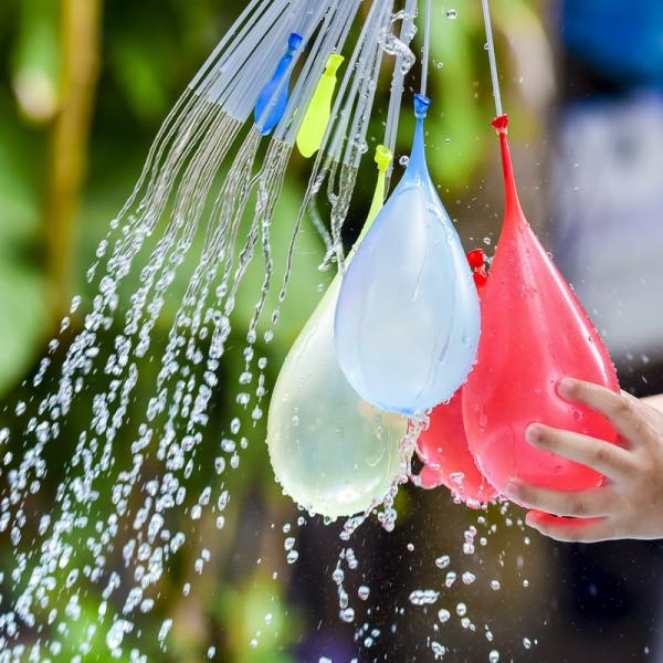How To Make A Water Balloon Fight Easier #momhacks #mom #kids #waterballoons
