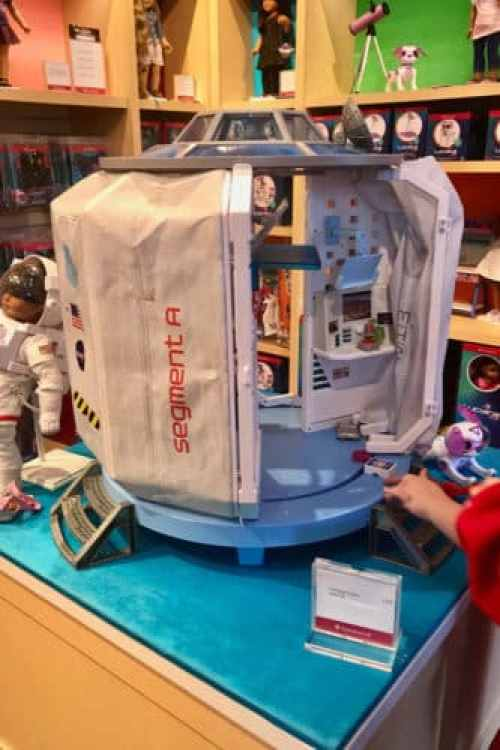7 Magical Tips for a First Time American Girl Experience #military #momlife #militarydiscounts #americangirl