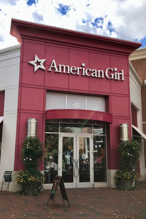 American Girl is so much more than a store! It's a magical experience! A dream come true for little girls (and their moms!) That is why we've brought you7 Tips For A Magical Experience To An American Girl Store! #americangirl #americangirldoll #momlife #shopping