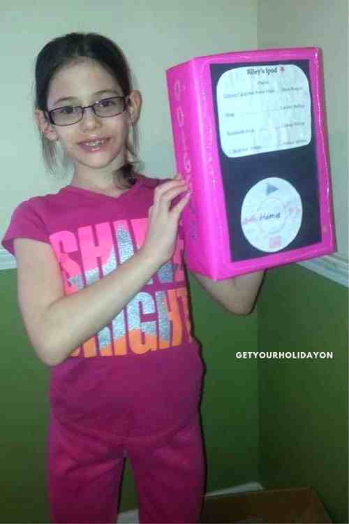 We love Unique Valentine's box ideas! Check out the one for the music lover in your life! iPod Valentine's Day box Riley made out of a cereal box! We always have a ton of cereal boxes! I know some girls that would love to make this! #recycle #ipod #music #diycrafts