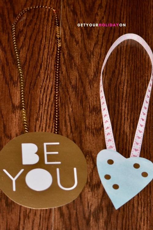 Free Valentine's Day Card Bling for School. #diyvalentines #valentinescards #diygirls #crafts