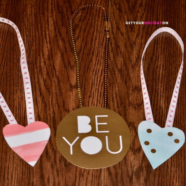 DIY heart-shaped jewelry Valentine's Day Card Bling for Girls! #tween #teen #girlmom #momlife