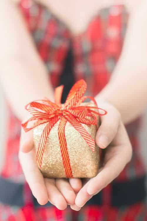Best Gift Exchange Ideas and Themes! #gifts #presents #whiteelephant #giftexchange
