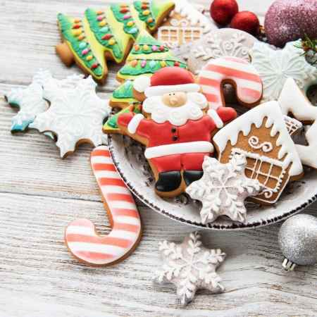 Easy Holiday Cookies to gift to family and friends! #cookies #cookieexchange