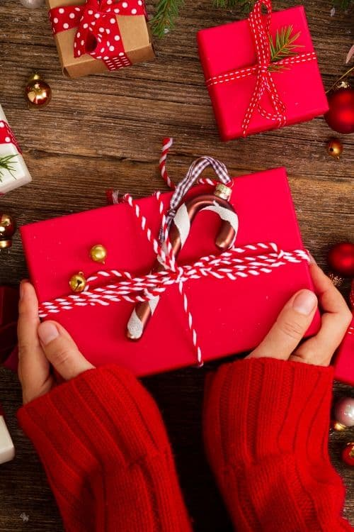 Gift for her and Gifts for him that adult grownups will enjoy for Christmas. #gifts #presents #holidays