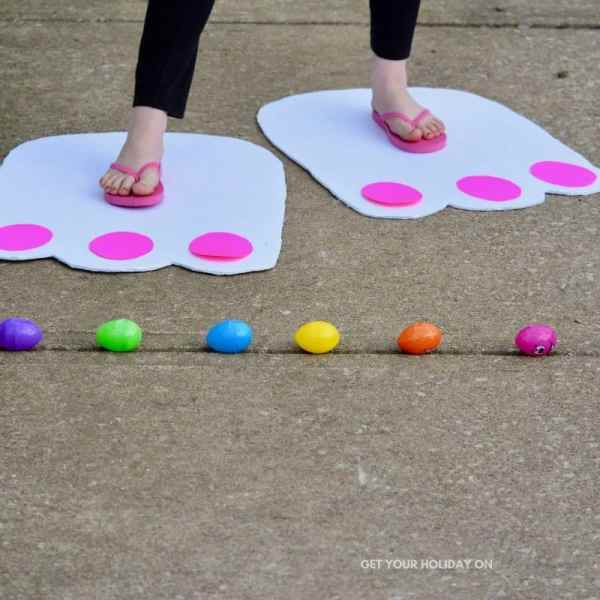 Easter Bunny feet activity game idea for kids!