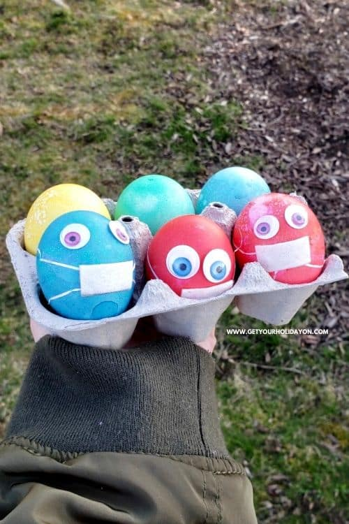 Masked Easter eggs for boiled colored egg ideas!