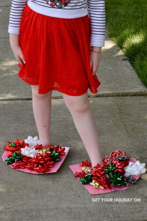 How to use 23 bows to make a fun Christmas craft.
