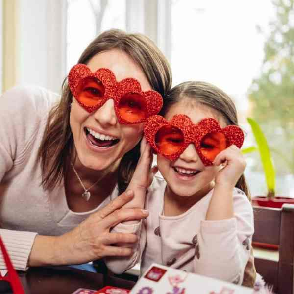 valentines day crafts for kids to do at home.