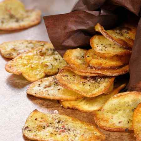 homemade chips with seasoning and flavor.