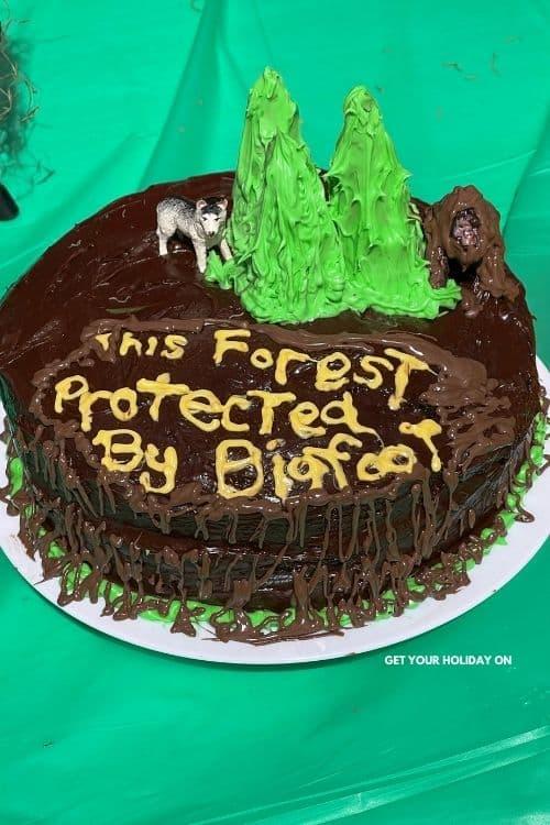 Sasquatch cake that is the best bigfoot cake.
