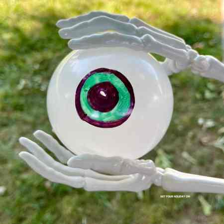 11 eyeball games that are easy and fun to play!