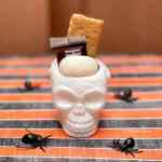 Halloween smores that work great as a party favor for Halloween.