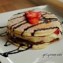 Yin Yang pancakes
