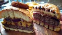 200 gram burger