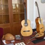 Mandolinen und Gitarren von Urs Langenbacher