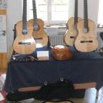 Gitarren, Laute und Barockgitarre am Stand von Michael Sander