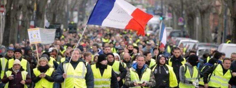 Why ISIS is a bigger threat to France than the yellow vests?