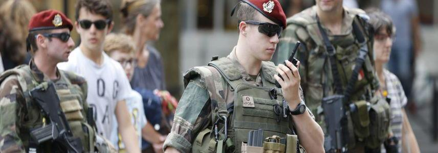 French counter-terrorism forces opened fire on suspicious car that was trying to hit one of the soldiers