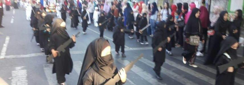 Kindergarten children dressed as ISIS terrorists for Indonesian independence day parade