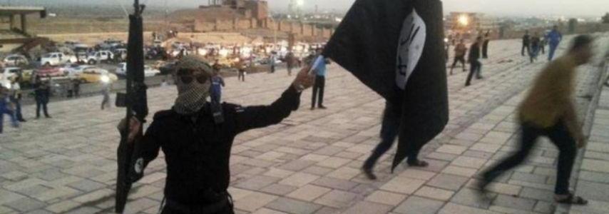 Islamic State kills 7 Iraqi soldiers in attacks near the Syrian border