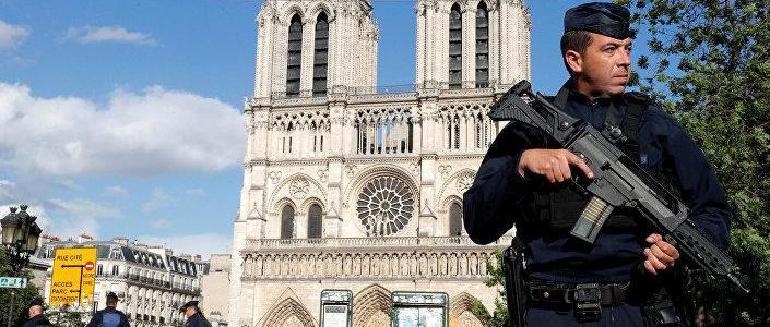 Swedish star journalist swears allegiance to ISIS and runs amok in Paris