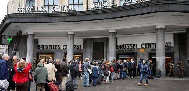 Terrorist attack in Brussels: Man 'neutralised' by Belgian police after blast in Central Station