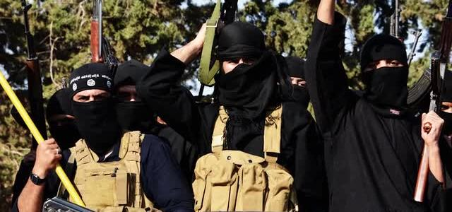 Twelve Syrian soldiers killed or injured in Islamic State ambush in Al-Raqqah desert