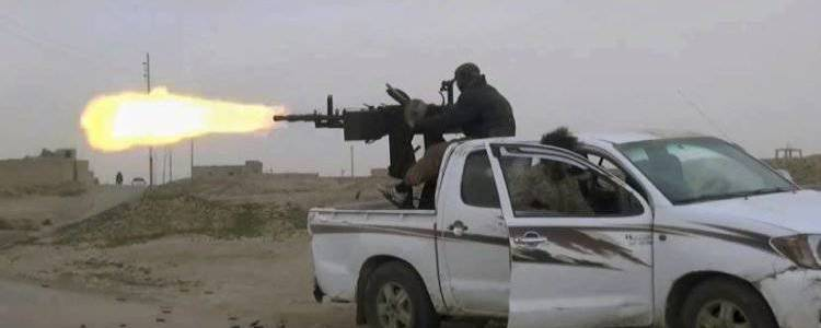 Fierce clashes continue between Syrian regime forces and Islamic State terrorists in the Syrian desert