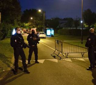 GFATF - LLL - Attacker shouted Allahu Akbar after beheading teacher in Paris