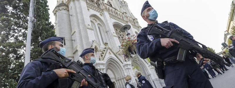France heightened its security alert after the last church attack in Nice