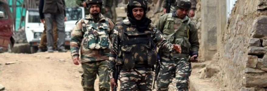 The Jammu and Kashmir Police arrests 2 terrorist associates