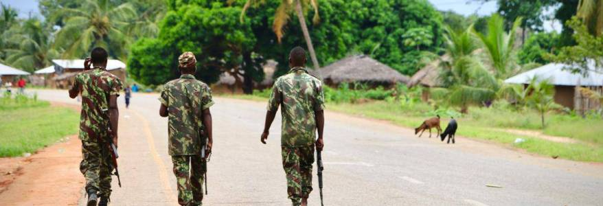 Islamic State terrorists attacked town housing foreign workers in Mozambique