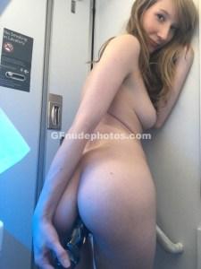 gf inserting dildo in her ass
