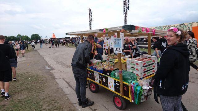 Hey, man kan da også købe frugt og grønt på Roskilde!