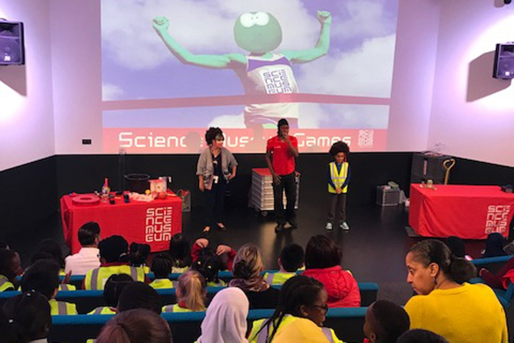 Year 5A Experimenting at the Science Museum