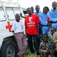 Kongo_Entminungsteam mit Rettungswagen