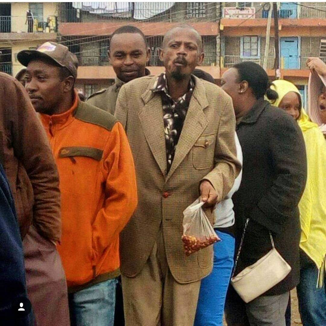 9E8C6108-E84E-44DB-B4FC-B8B43CDCA70C-197-0000003F00A0A13E DECISION 2017: The most hilarious photos from the elections yesterday