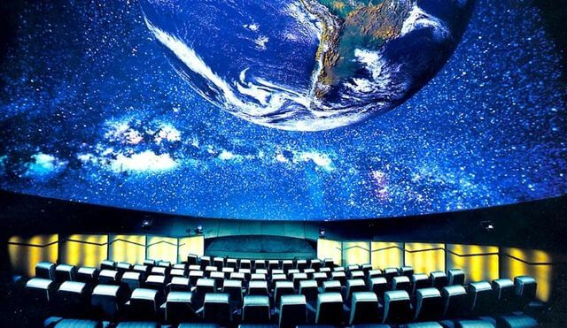 Full Dome en el planetario