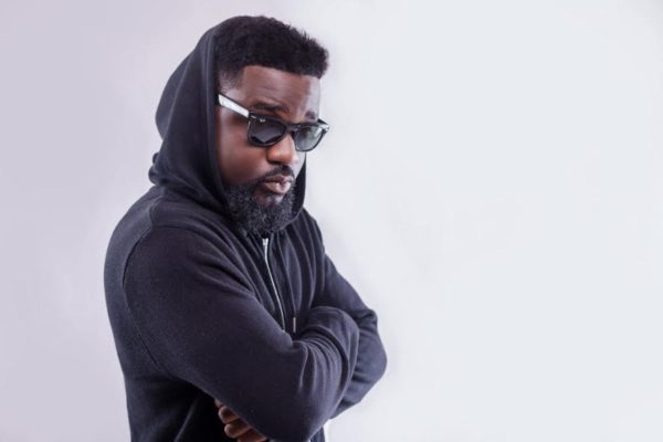 VIDEO: Sarkodie Asks Ghanaians To Help Him Link Up With This Upcoming Rapper!!! — Watch